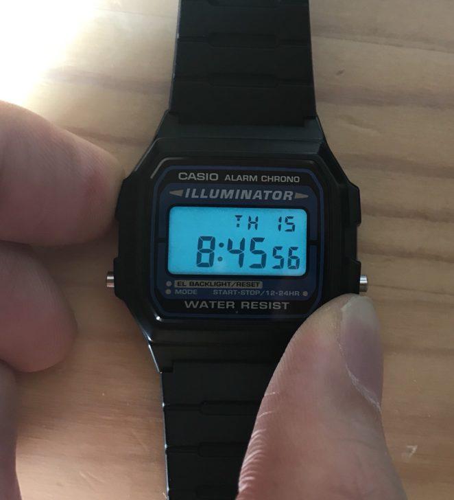 愛用のデジタル腕時計チープカシオ「F-105W-1A」5