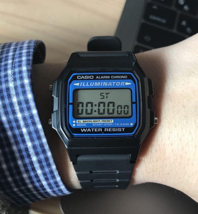 愛用のデジタル腕時計チープカシオ「F-105W-1A」7