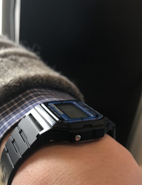 愛用のデジタル腕時計チープカシオ「F-105W-1A」3