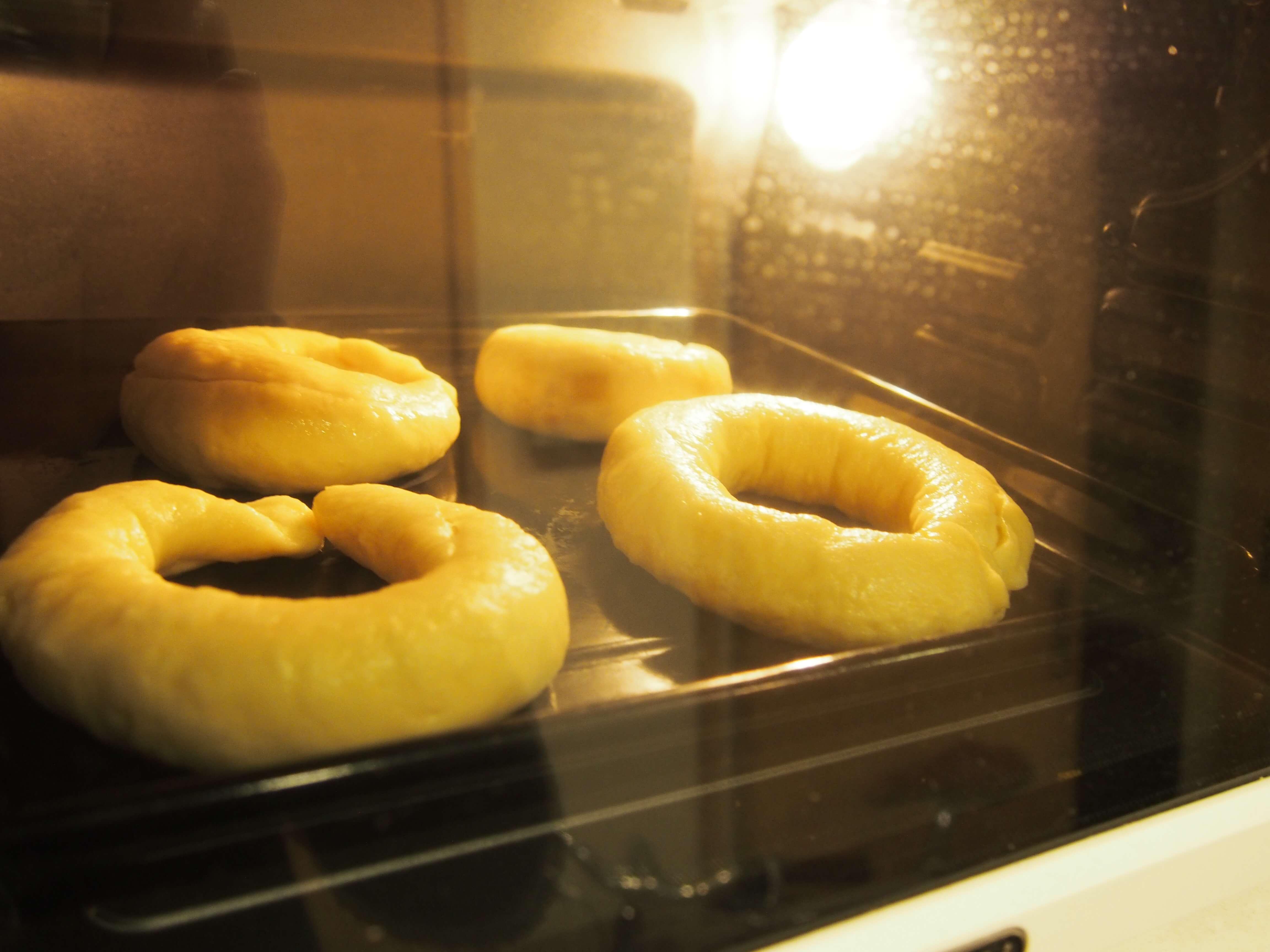 焼かれるパン