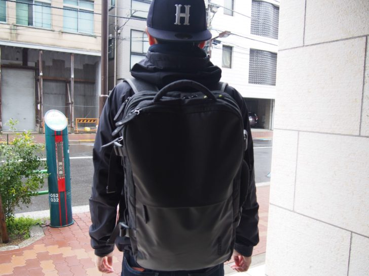 INCASEのEO TRAVEL BACKPACK背負ったよ