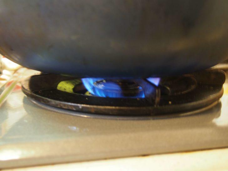 トンテキ肉は弱火で焼く