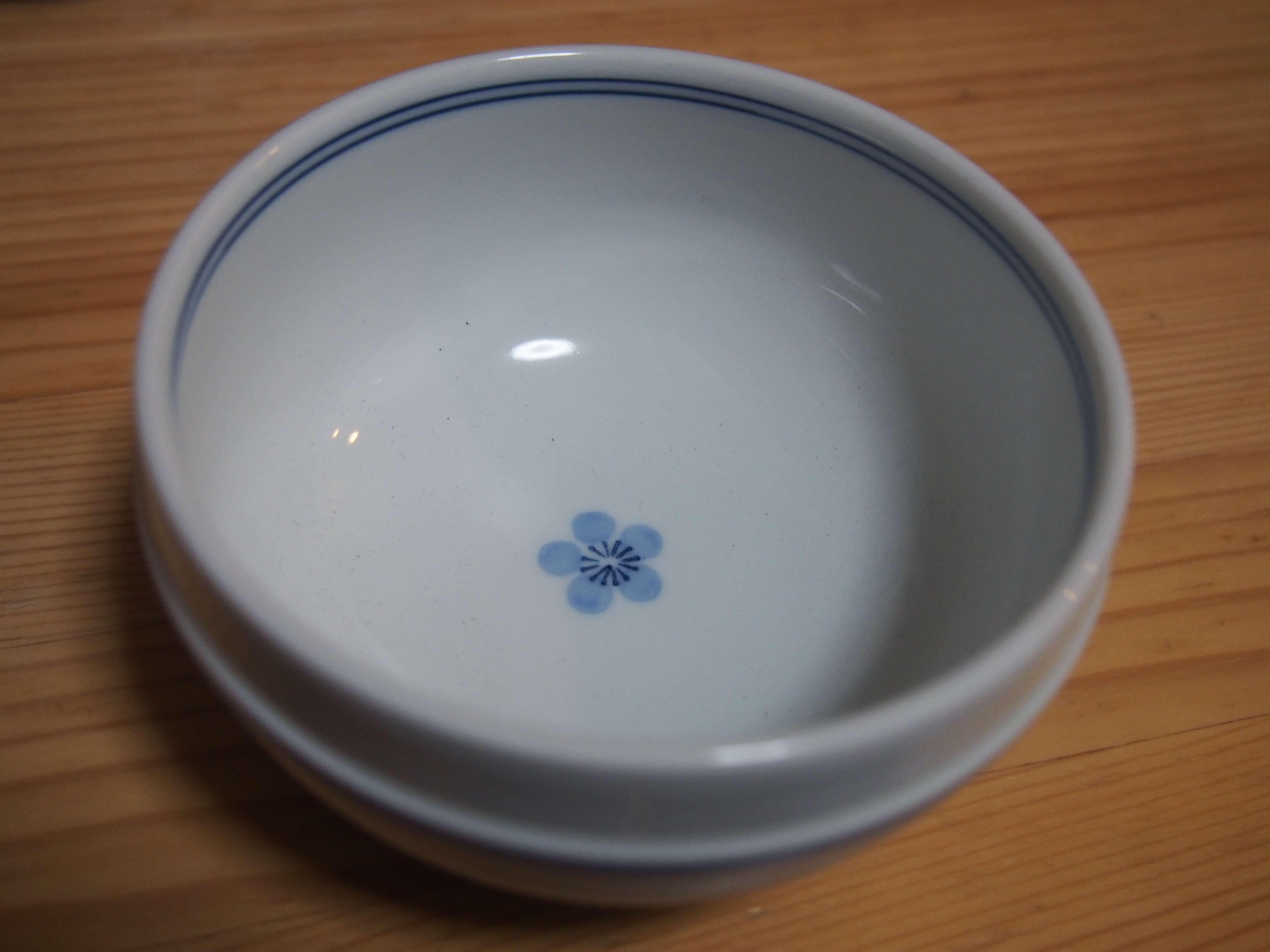 リサイクルショップで180円だった可愛い小鉢