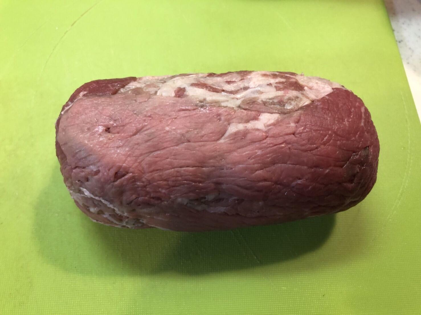 ロールステーキを作る。激安肉で厚切りステーキ気分を味わえるのか