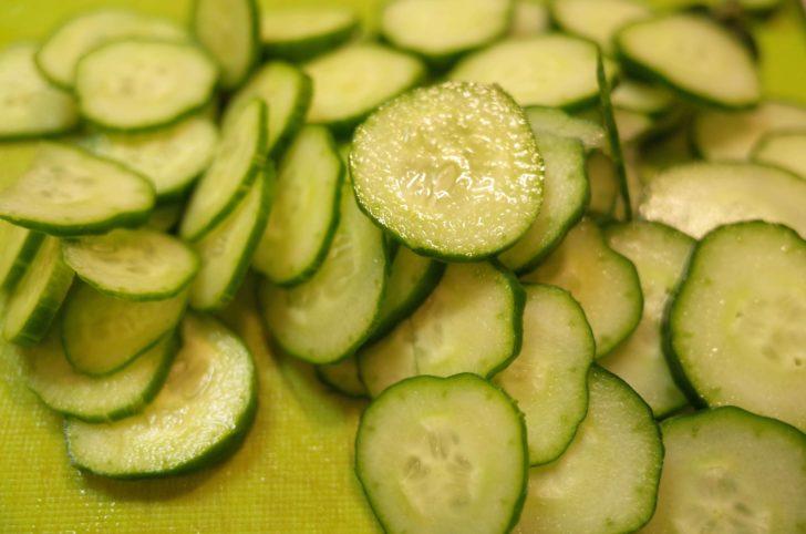 輪切りのきゅうりは冷汁の定番食材