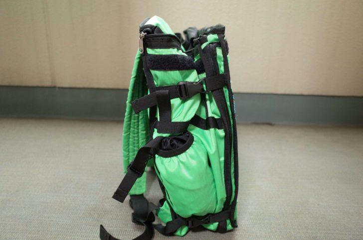 格納時のウーバー緑バッグ