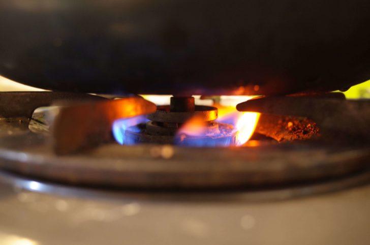 フライパンの火は絶対に弱火で