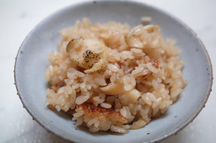 生つぶ貝からつくる炊き込みご飯